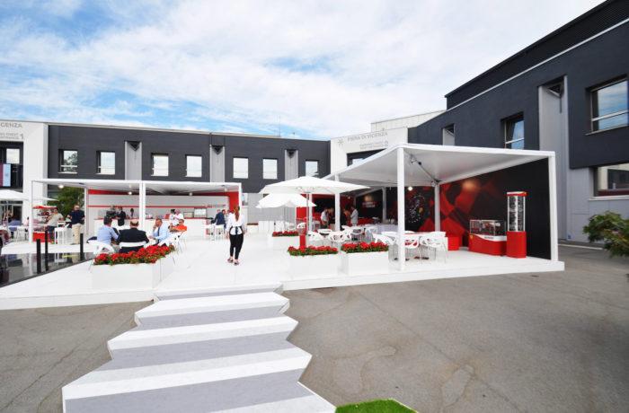 Kube per stand Ferrari