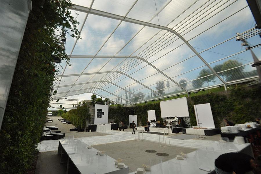 Diesel headquarter Breganze allestita da Ferraro con Whitent crystal e struttura bianca