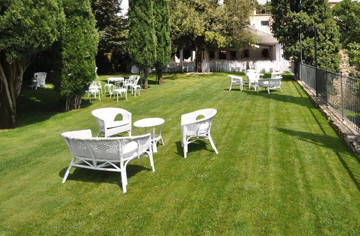 Salotto usato rattan bianco da giardino